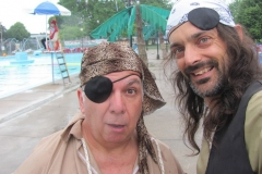 Pirate maboule et son accolite